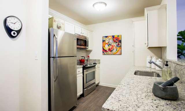 Summit At Saratoga One Bedroom Kitchen