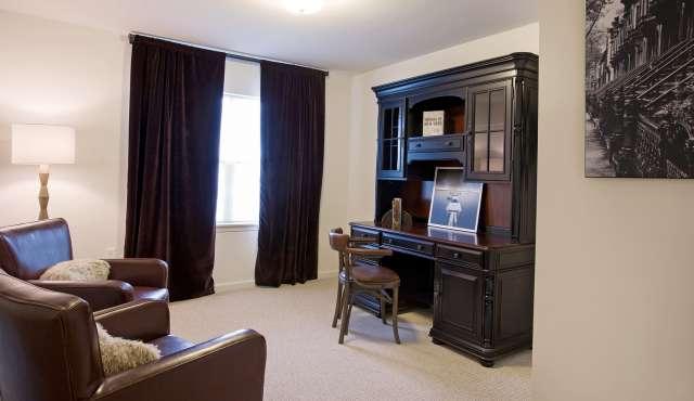 Summit At Saratoga Apartment Office Room